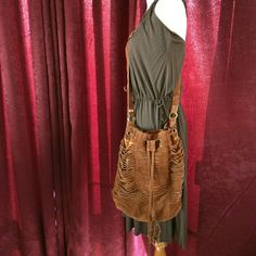 Hype boho suede crossbody bag used 1x! Boho chic crossbody bag in soft auburn suede. Used one time totally clean interior. Giant dustbag (the one it came in) included :) Hype Bags Crossbody Bags