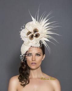Fascinator crème et marron chapeau de kentucky derby par ArturoRios