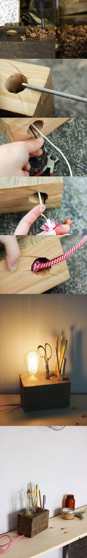 Muy buena lampara! Se puede hacer con tacos de pallet  Curiosa lámpara de escritorio / http://www.poppytalk.com/
