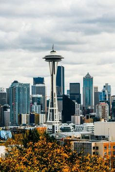 Kerry Park Seattle + Perfect 1 Day Itinerary for Seattle #seattle #washington #wastate #usa #pnw #pacificnorthwest
