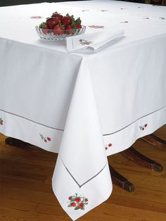 Strawberry Fields - Luxury Table Cloths - So inviting, our crisp White 100% Italian linen tablecloths and napkins are sure to set the most appetizing table imaginable. Thanksgiving Table Linens.  #SchweitzerLinen #TableLinens #TableLinen #ThanksGiving