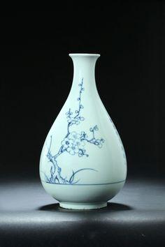 CERAMIC VASE, Korean vase from Choson period, garths.com