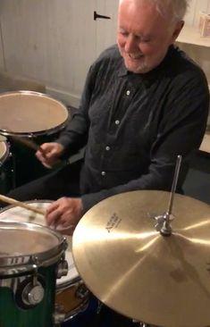 "@rogertaylorofficial on Instagram: ""Tomorrow, mix in the secrets of the cymbals!  @officialqueenmusic  #DontStopUsNow"" Queen Drummer, Man On Fire, Queen Band, Killer Queen, Dave Grohl, Gibson Les Paul, Custom Guitars, Book Boyfriends, Van Halen"