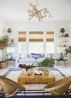 6 Ways to Add Beach House Flair to Your Home is part of House decor 2017 - We literally could not be happier that Summer has arrived! Bring on the sunshine, beach days, and piña coladas! Here are some of our favorite beach house decor ideas of the season Home, Coastal Living Room, Beach House Interior, Room Inspiration, House Interior, Beach Bungalows, Coastal Decorating Living Room, Interior Design, Feng Shui Living Room
