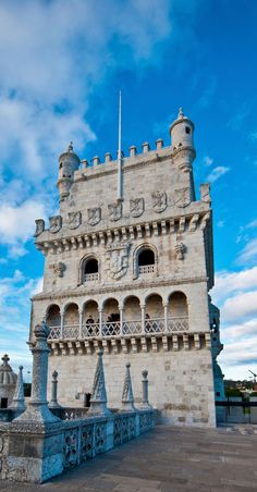 Tour Belem à Lisbonne, Portugal Belem Portugal, Spain And Portugal, Most Beautiful Cities, Wonderful Places, Voyage Europe, Destination Voyage, Architecture Old, Wonders Of The World, Places To Visit