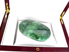 Lot: APP: 5.3k 1055.90CT Oval Cut Green Beryl Emerald, Lot Number: 0489, Starting Bid: $2, Auctioneer: GovernmentAuction, Auction: Government Inventory Liquadation, Date: March 14th, 2017 PDT