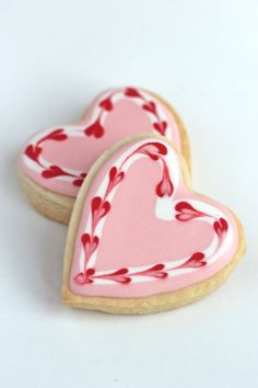 Valentine Cookies Sweet heart cookies for Valentine's day or any day! Video how to on sugar cookies decorated with royal icing. Cookies Cupcake, Cupcakes, Heart Cookies, Iced Cookies, Royal Icing Cookies, Sugar Cookies, Cookies Et Biscuits, Cookie Favors, Baby Cookies