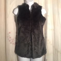 Kensie Girl Faux Fur Vest sz L gray Furry Stretch Great condition, no issues - let's be friends add me on Instagram @OrnamentalStone Facebook Group: Jaded And Traded Pinterest OrnamentalStone /Jaded And Traded Clothes For Sale xoxo Kensie Tops Blouses