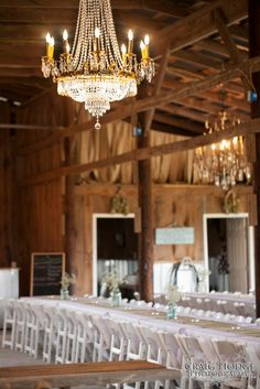 Burdoc Farms Is A 700 Acre Family Farm Located 10 Minutes North Of Hopkinsville Ky Wedding