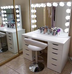 Exceptionnel Makeup Room Ideas (make Up Stations) Tags: Makeup Room DIY, Makeup Room  Ideas, Makeup Room Small, Dream Makeup Room