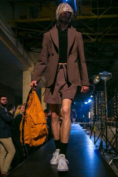 A look from the Raf Simons Spring 2016 Menswear collection.