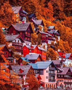 Autumn in Hallstatt, Austria.- Autumn in Hallstatt, Austria. Life Is Beautiful, Beautiful Places, Wonderful Places, Landscape Photography, Travel Photography, Happy Photography, Le Petit Champlain, Autumn Scenery, Autumn Cozy