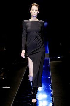 Versace Fall 2010 Ready-to-Wear Fashion Show - Jac