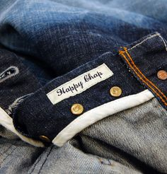 Scotch and Soda introduce the Duke Cliffhanger that is part of the new autumn/winter collection. The vibrant green cast Duke with extreme contrast is a slim tapered fit jean and is a real keeper for this season. http://www.itsinyourjeans.co.uk/top-brands-1003/scotch-soda/duke-cliffhanger.html