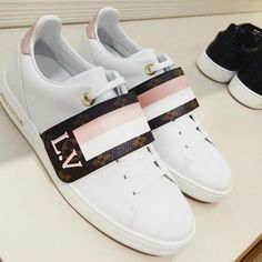 Sneakers 2018 louis vuitton 46 ideas for 2019 Lv Shoes, Hype Shoes, Me Too Shoes, Shoe Boots, Shoes Heels, Louis Vuitton Sneakers, Louis Vuitton Handbags, Coach Tennis Shoes, Adidas