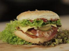 Jak zrobić domowego cheeseburgera - z naszym przepisem to naprawdę proste!