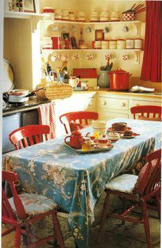 Inspiração retrô em cada canto desta cozinha #cozinharetro #vintagekitchen