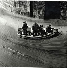 Credit: Jane Bown Torrey Canyon disaster, Cornwall, 1967