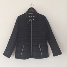 NWOT Guess Black Thin Puffer Jacket Brand new, never worn. In perfect condition. It is lightweight but keeps you very warm! The last picture is of the bag that the jacket came with that you can put the jacket in. Guess Jackets & Coats