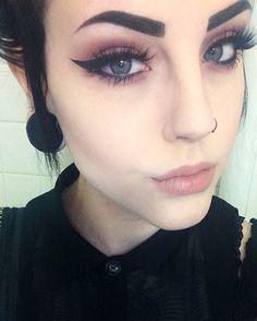 Good morning beautiful humansLashes: in santorini Liner: tattoo liner Lips: lingerie liquid lipstick Emo Makeup, Gothic Makeup, Dark Makeup, No Eyeliner Makeup, Cute Makeup, Skin Makeup, Makeup Inspo, Makeup Inspiration, Makeup Tips