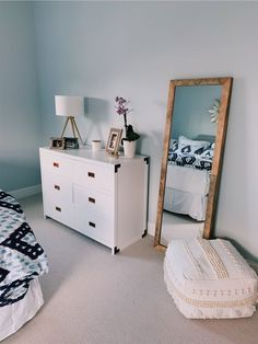 Master bedrooms, minimalistic bedrooms, luxury bedrooms and everything bedroom related for your interior. Home Bedroom, Bedroom Decor, Master Bedrooms, Bedroom Ideas, Bedroom Mirrors, Bedroom Inspo, Bedroom Designs, Modern Bedroom, 60s Bedroom