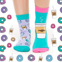 Smelly breakfast treats just for your feet. Let these coffee and donut socks brighten up your drawer! Add a little energy and comfort to your step this Spring season! These socks smell like fresh donuts right out of the oven, sweet like cinnamon! Coffee And Donuts, Coffee Cups, Coffee Drinks, Gamine Style, Funky Socks, But First Coffee, Ankle Socks, Sock Shoes