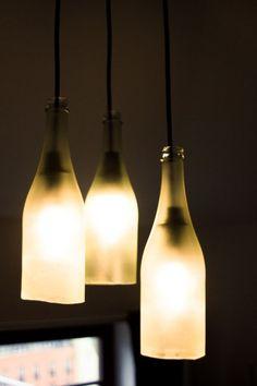 Lampe aus Sektflaschen – Anleitung zum Nachbauen
