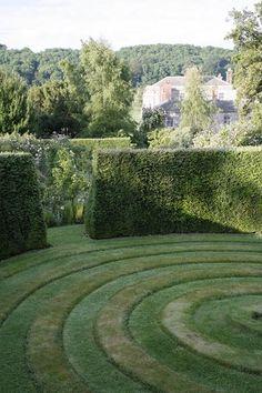 Excellent Gardening Ideas On Your Utilized Espresso Grounds Ngs - Garden Love Garden, Summer Garden, Landscape Design, Garden Design, Corner Garden, Formal Gardens, Garden Planters, Garden Inspiration, Garden Ideas