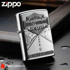 Zippo American Legend Street Chrome este o bricheta Zippo originala, cu un finisaj de brushed chrome si emblema legendei americane - Harley Davidson. Pentru pasionatii de motociclete, este alegerea perfecta!