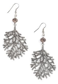 "Love the winter woodland vibe of these ""I'm a Twig Fan Earrings"". #jewelry #earrings #accessories"