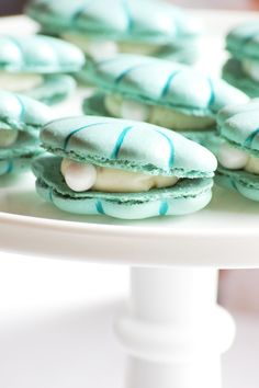 Seashell shaped macarons