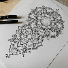 Dibujos Zentangle Art, Zentangle Drawings, Tattoo Drawings, Body Art Tattoos, Sleeve Tattoos, Zentangles, Mandala Doodle, Mandala Drawing, Mandala Art