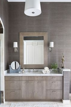This stunning clean bathroom was completed by @kwdesignstudio. #luxeFL