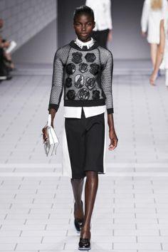 Sfilata Viktor & Rolf Paris - Collezioni Primavera Estate 2014 - Vogue