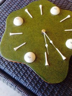 A cool vintage golf clock swanky glitter green resin by LunchLadyVintage