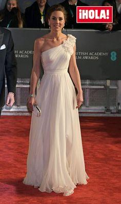 Floaty Wedding Dress, Wedding Dresses, Diana, Nigerian Dress, Middleton Wedding, Kate Middleton Outfits, Princesa Kate, Kate And Meghan, Dress Hire