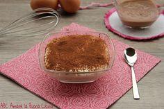 La crema al mascarpone al baileys con panna è una deliziosa variante alla classica crema al mascarpone! Perfetta per farcire dolci di vario genere.