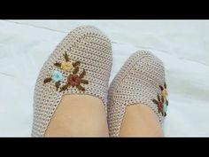 Knit Shoes, Crochet Shoes, Crochet Slippers, Crochet Clothes, Crochet Slipper Pattern, Crochet Motif, Crochet Designs, Crochet Stitches, Baby Knitting Patterns
