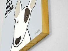 Loja presente no Elo7 vende quadros criativos impressos em formato de poster ou em madeira ecológica