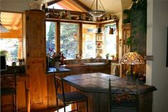 kitchen designs photo gallery rustic | Kitchens in rustic, Colorado style for mountain and log or timber ...