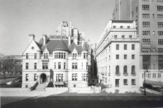 Home of Isaac Vail Brokaw on 79th and 5th. Finished 1890. Demolished 1965.