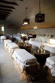 Chic Wedding, Our Wedding, Wedding Bells, Dream Wedding, Wedding Ideas, Diy Wedding Benches, Diy Wedding Dance Floor, Wedding Lounge, Loft Wedding Reception