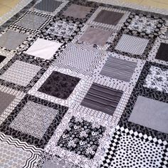 Patchwork, colcha en blanco y negro. Black and white quilt!