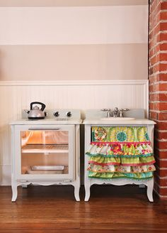 How to make a play kitchen set out of a pair of nightstands... this is so cool!  i am going to keep an eye out for nightstands to make these!