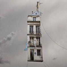 Tra sogno e realtà: le Case Volanti di Laurent Chehere