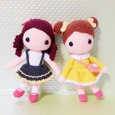 Mari&Eunji . . 쪼꼬미 두친구 은지와마리ㅎ . . . #crochet#amigurumi#뜨개질#handmade#cotton#by_me#knitting#kawaii#crochetaddict#wool#craft#yarn#iloveit#코바늘#knit#handcraft#pattern#madebyme#adorable#mini#손뜨개#girl#crochetdoll#코바늘인형#손뜨개인형#인형#kindergarten#friend#eunji