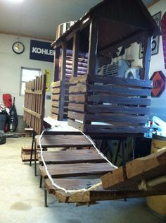 This looks it could be made more substantial than the one Lifeway shows to make with card table.  Can use pallets (FREE!) and make a great treehouse for preschoolers to sit on while doing lessons!
