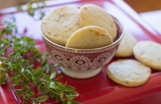 KitchenWise: Recipe for vanilla refrigerator cookies with easy variations