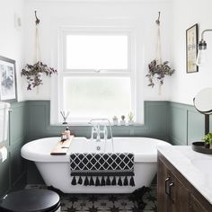 Wall paneling ideas for every room – from traditional to contemporary – Bathroom – Wall Panel Wood Panel Bathroom, Bathroom Wall Coverings, Bathroom Paneling, Wood Panel Walls, Downstairs Bathroom, Concrete Bathroom, Bathroom Faucets, Wainscoting, Bad Inspiration