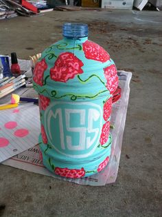 Oh! I never thought about painting my jug! Not a Lilly pattern, but def gonna do this!